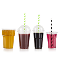 Filled plastic cups with straws - Medium